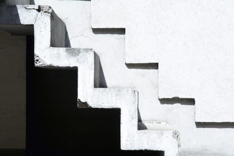 Comment rattraper des marches d'escalier avant carrelage